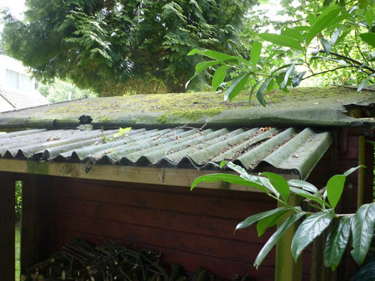 Hellup, asbest op het dak!